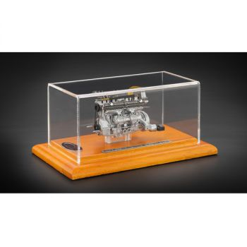 Engine with Display Showcase Limited to 1000 pcs from 1938 Alfa Romeo 8C 2900B 1/18 Diecast Model by CMC 131