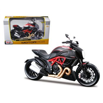Ducati Diavel Red and Carbon 1/12 Diecast Motorcycle Model by Maisto 31196