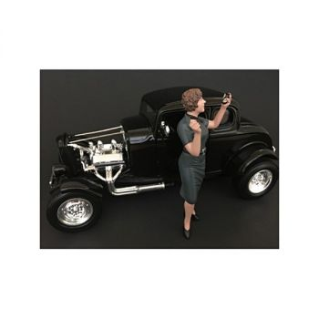 50\'s Style Figure IV  for 1:24 Scale Models by American Diorama 38254