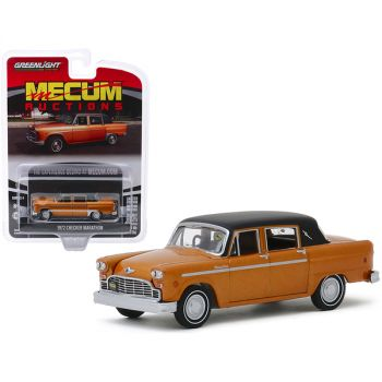 1972 Checker Marathon Gold Metallic with Black Top (Chicago 2018) Mecum Auctions Collector Cars Series 4 1/64 Diecast Model Car by Greenlight 37190F